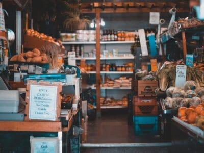 Une aide pour les commerçants multi-activités en zone rurale